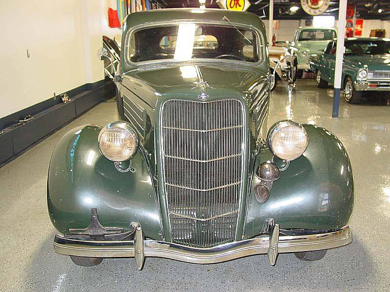 1935 Ford Tudor Sedan - Front