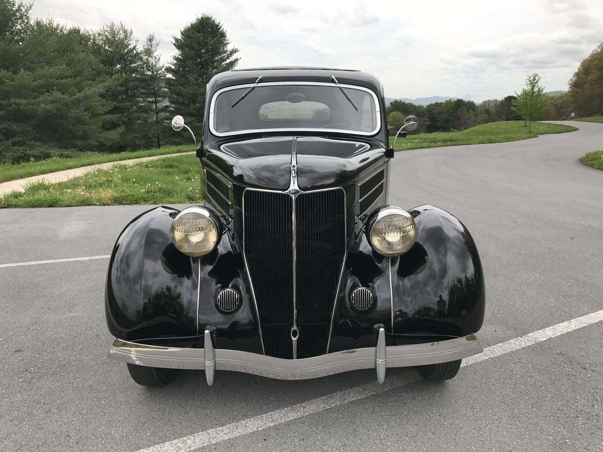 1936 Ford Tudor Sedan - Front